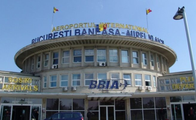 București. Avion în flăcări pe Aeroportul din Băneasa! Foto în articol
