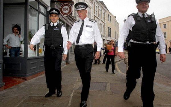 Marea Britanie. Zece persoane spitalizate după focuri de armă trase la Manchester