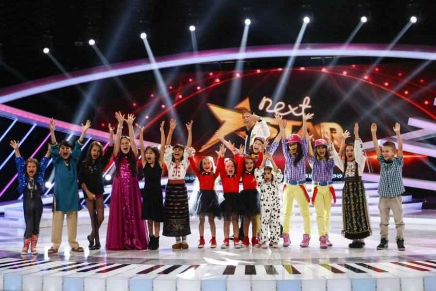 Finala NEXT STAR, 12 decembrie 2013: Castigatorul Next Star al Romaniei primeste trofeul de la Radu Beligan