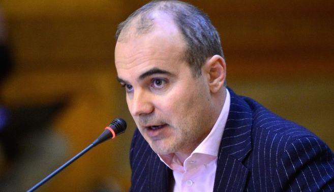 INCENDIAR RARES BOGDAN il face PRAF pe VICTOR PONTA: Un MITOMAN!