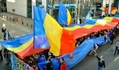 Sondaj: 52 la suta dintre cetatenii Republicii Moldova isi doresc unirea cu Romania