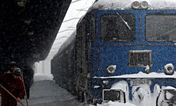cfr calatori, zapada mare, trenuri anulate, intarzieri trenuri, viscol, zapada