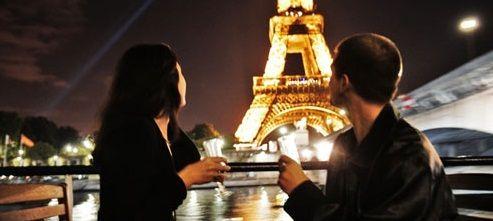 Valentine's Day: In 2014, romanii cauta destinatii romantice si ieftine