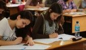 SIMULARE BACALAUREAT 2016: Elevii sustin miercuri proba la Istorie si Matematica