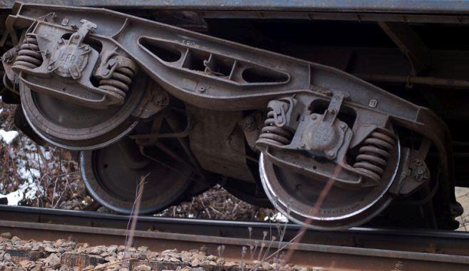 Dolj. Un tren încărcat cu biocombustibil a deraiat