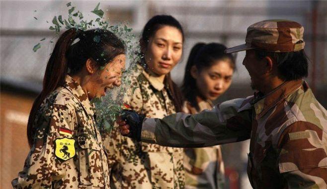 IMAGINI SPECTACULOASE! Asa se antreneaza FEMEILE-BODYGUARD in China