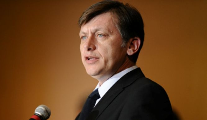 Crin Antonescu a dezvăluit pe cine vede în turul doi al alegerilor prezidențiale