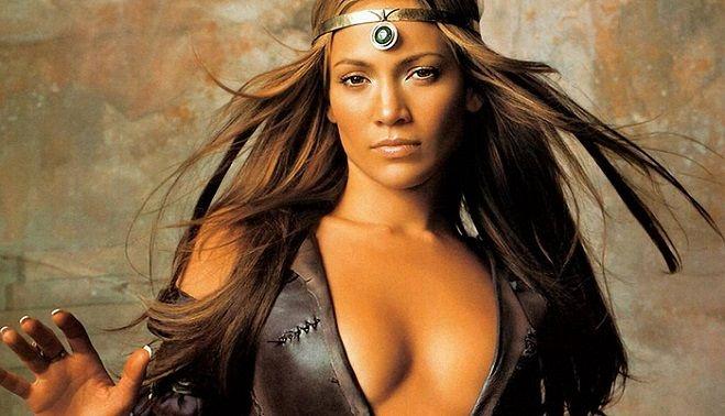 Jennifer Lopez a pozat aproape goală la 49 de ani! Galerie foto în articol