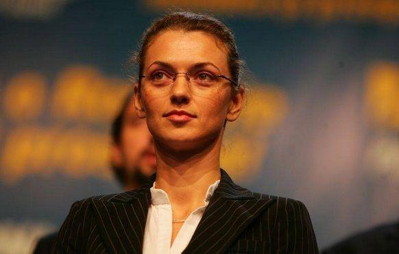 BIOGRAFIE ALINA GORGHIU: Cine este prima FEMEIE de la conducerea PNL