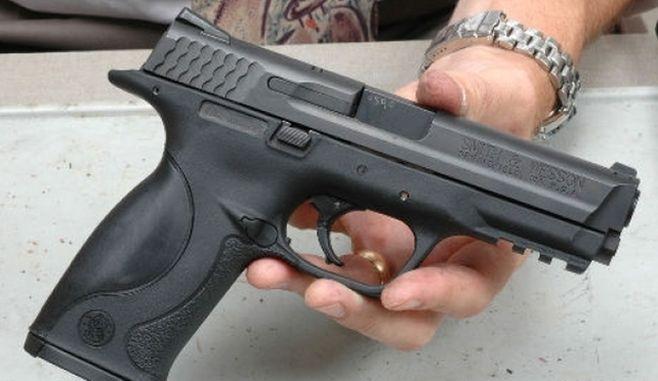 Olt: Polițist de la Crimă Organizată, împușcat în cap de iubita sa