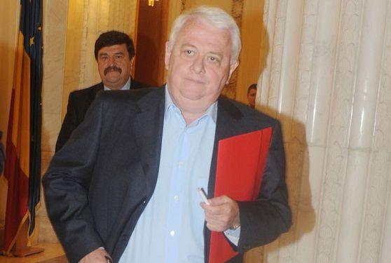 STENOGRAME. Dumitru Iliescu ii spunea lui Viorel Hrebenciuc despre cel care i-a dat informatii: Stia si de Ponta si de toti. Stia cine are dosare