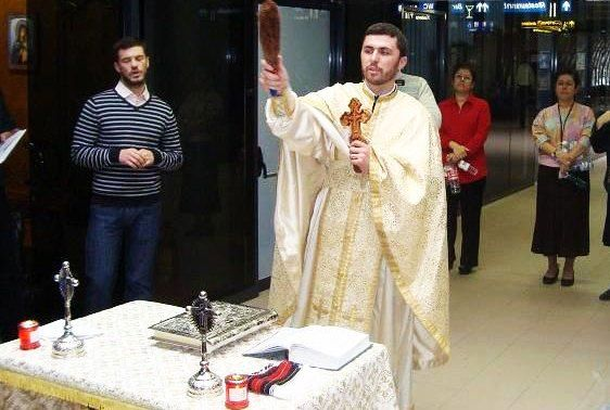 EXCLUSIV: SCANDAL SEXUAL la OTOPENI: O duduita de la Serviciul Chartere s-a culcat cu preotul aeroportului