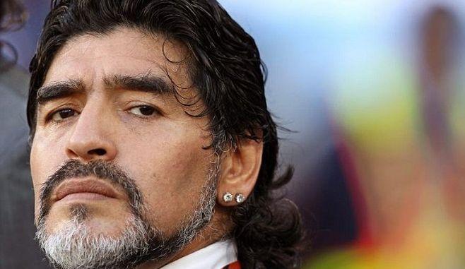 Diego Maradona a fost operat de urgență. Ce a pățit fostul mare jucător argentinian