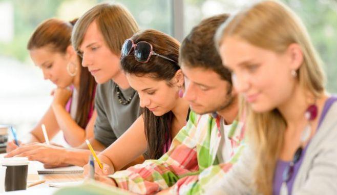 BURSE IN FRANTA pentru studenti romani, in parteneriat cu MEDIUL PRIVAT din tara
