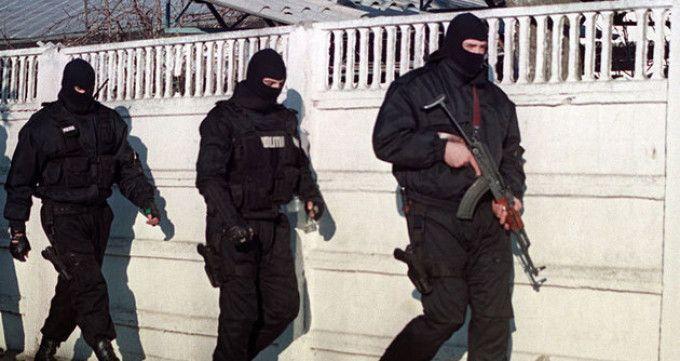 Un MEMBRU al gruparii ACADEMIA INFRACTORILOR, ARESTAT la Londra si trimis in ROMANIA