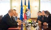 Klaus Iohannis cheamă partidele la consultări