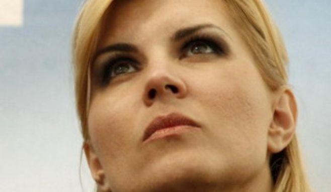 Elena Udrea este de neoprit: Încă două lucruri vreau să le spun acestor nemernici