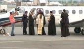 O delegatie a Patriarhiei a adus, cu un avion special, Lumina Sfanta de la Ierus…