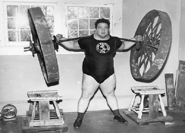 Cel mai puternic om din lume – a ridicat 2,8 tone, Paul Anderson.