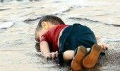 CRIZA REFUGIATILOR: Fotografii cu un BAIETEL SIRIAN INECAT AU SOCAT EUROPA