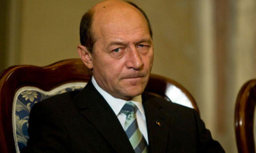 Traian Băsescu a luat foc după semnarea rezoluției de la Cluj