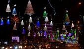 Luni se aprind LUMINILE DE CRACIUN in Bucuresti. Au fost montate 3 MILIOANE de B…