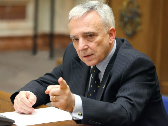 Mugur Isărescu a lansat un atac la adresa guvernului Dăncilă