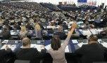 Parlamentul European a votat rezoluţia dură privind respectarea statului de dr…