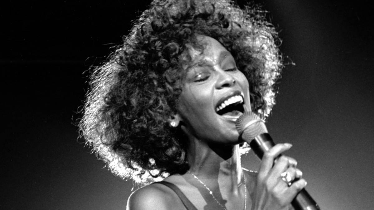 Autopsia cântăreței Whitney Houston făcută publică la opt ani de la moartea artistei! Detalii șocante