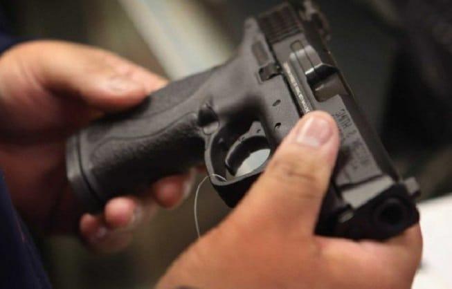 SUA: O fetiță de 2 ani împușcată mortal de un băiețel de 4 ani în California