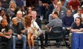 """11 celebritati care au fost surprinse in timp ce """"trageau"""" cu ochiul"""