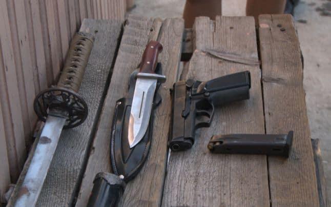Giurgiu: Răfuială cu focuri de arme și topoare între două clanuri de rromi din Clejani
