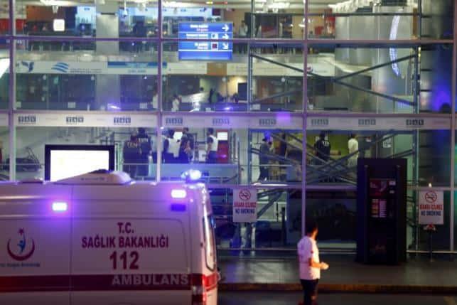 ATENTAT TERORIST ISTANBUL, ATENTAT TERORIST AEROPORT ATATURK, ATENTAT TERORIST TURCIA, 36 DE MORTI, 147 DE RANITI, ATACURI SINUCIGASE CU BOMBA, ISTANBUL, ATATURK, AEROPORT,