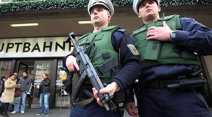 Germania. Doi morți si doi politiști răniți grav în urma unui incident armat