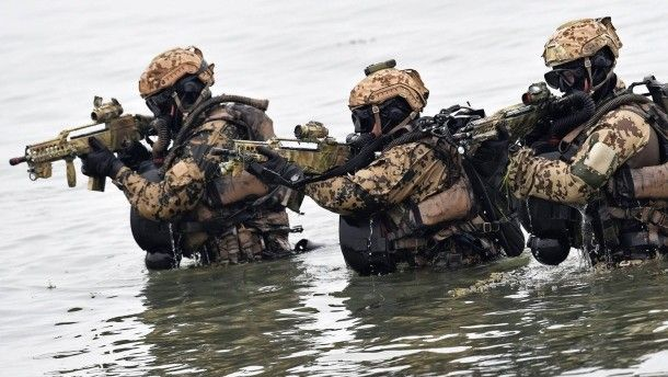 MILITANTII ISIS se infiltreaza in armata germana ca sa se antreneze si sa comita ATENTATE