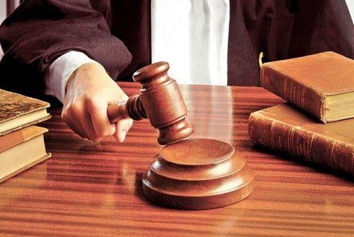Judecătorii au anulat amenda dată protestatarului surdo-mut amendat la Congres…