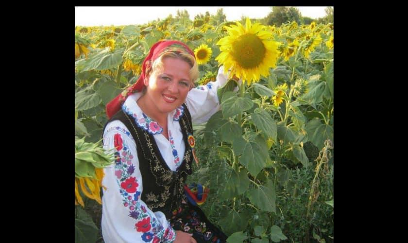 DOLIU in muzica populara din Romania! MIHAELA MARIS a murit la numai 36 de ani!