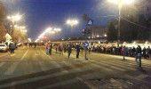 PROTESTE ANTI-GRATIERE, ZIUA A 5-A: Zeci de mii de oameni EXULTA in fata Guvernu…