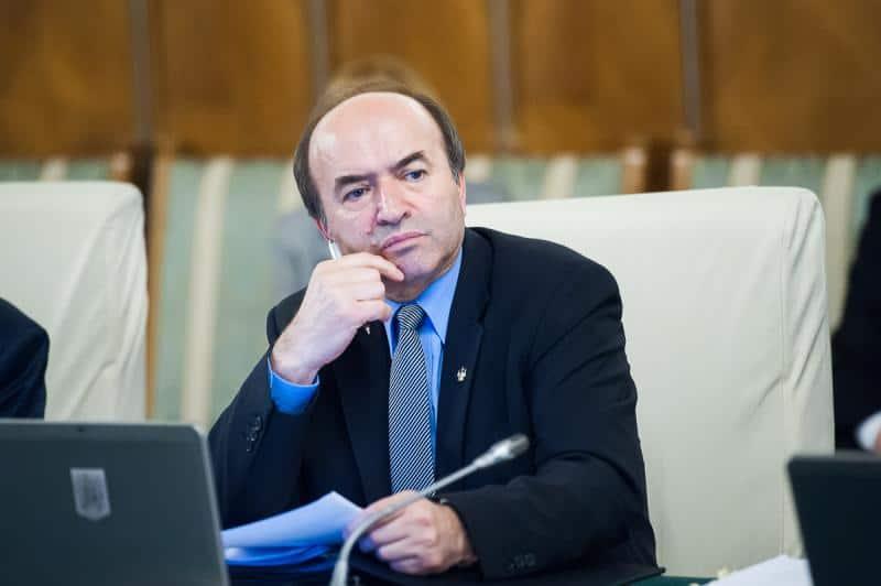 Dosar penal pentru abuz în serviciu pe numele ministrului Tudorel Toader