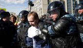 Am trait s-o vedem si pe asta! ROMANII ii sustin pe RUSI: PROTEST la AMBASADA RU…