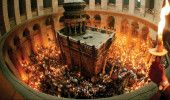 LUMINA SFANTA de la Biserica Mormantului Sfant din IERUSALIM a ajuns la BUCUREST…