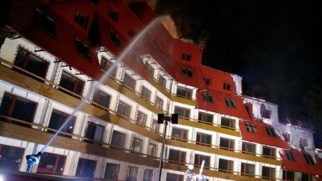 BRASOV: INCENDIU VIOLENT la HOTELUL CIUCAS din POIANA BRASOV