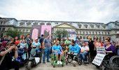 PROTEST al PERSOANELOR cu DIZABILITATI: GUVERNUL nu ne lasa sa MUNCIM