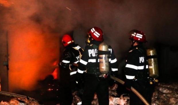București: Explozie puternică urmată de un incendiu la un restaurant din Capitală! 16 mașini avariate