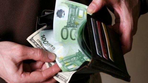 Curs valutar: Revoluția fiscală a PSD a ucis leul! Euro este la cel mai mare nivel din istorie