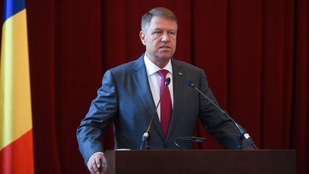 Iohannis amână decizia numirii în Guvern a Olguței Vasilescu și a lui Mircea Drăghici: Guvernul Dragnea-Dăncilă e un accident al democrației!