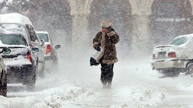 Iarna își arată, din nou, colții! Ninsori și temperaturi foarte scăzute