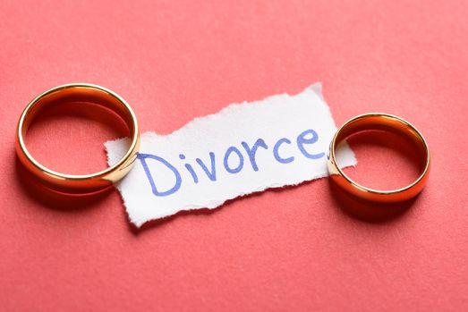 Cel mai scurt mariaj din istoria unei țări! O tânără a cerut divorţul la doar trei minute după căsătorie. Ce i-a făcut mirele