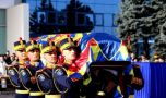 Regele Mihai a fost înmormîntat! Zeci de mii de oameni l-au condus pe ultimul …