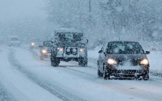 Iarna pune stăpânire pe România! Se anunță ninsori, lapoviță, ger și polei în toată țara